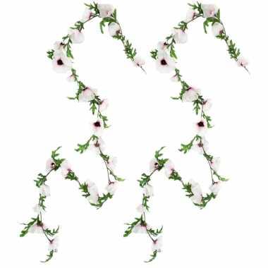 3x stuks bloemen slinger 180 cm met creme roze klaprozen bloemen