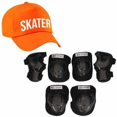 Set van valbescherming voor kinderen maat l / 9 tot 10 jaar met een stoere skater pet oranje