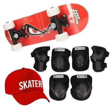 Skateboard set voor kinderen l 9-10 jaar/valbescherming/skater pet/skateboard met print 43 cm rood