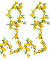 2x stuks bloemen slinger 180 cm met gele klaprozen bloemen