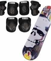 Set van skateboard 81 cm met doodskop print en valbescherming maat l 9 tot 10 jaar