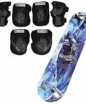 Set van skateboard 81 cm met haaien print en valbescherming maat m 6 tot 8 jaar