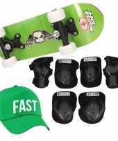 Skateboard set voor kinderen l 9 10 jaar valbescherming fast pet skateboard met print 43 cm groen