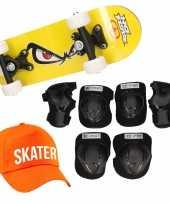 Skateboard set voor kinderen l 9 10 jaar valbescherming skater pet skateboard met print 43 cm geel
